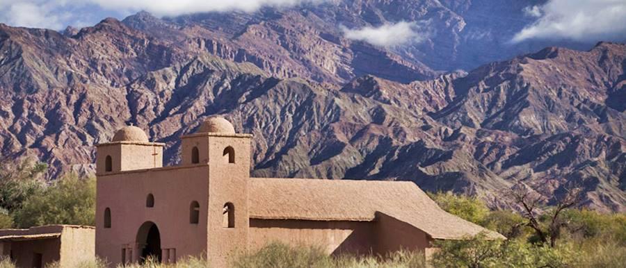 Iglesia de Andacollo Ruta del Adobe