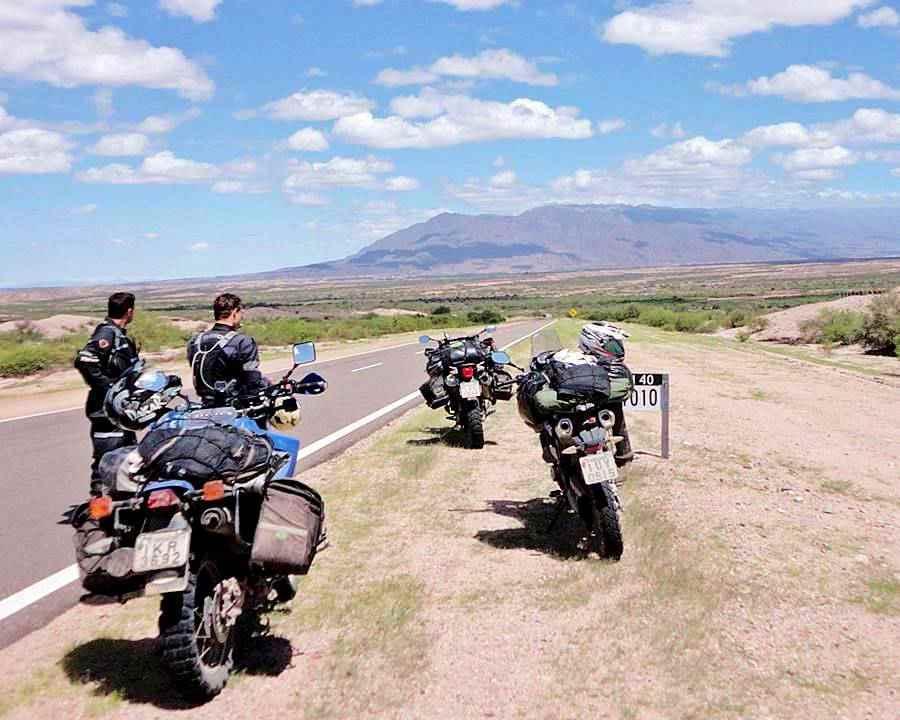 Motocicletas en la Ruta 40 Chilecito La Rioja