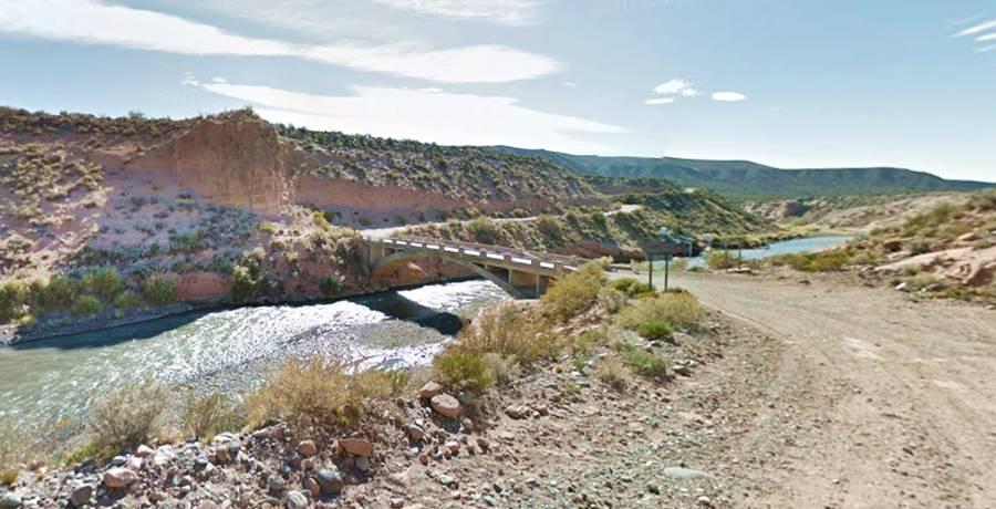 Puente sobre el río Diamante Ruta 40, Mendoza
