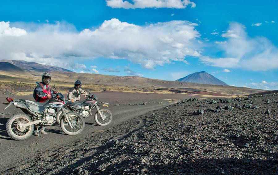 Motocicletas de argentinamototours.com en la Payunia