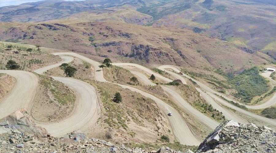 camino sinuoso en la Cuesta de Rahue, Neuquen. Foto TripAdvisor