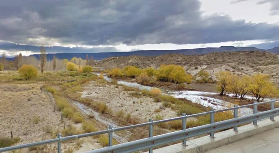 Valle del río Picún Leufú desde la Ruta 40