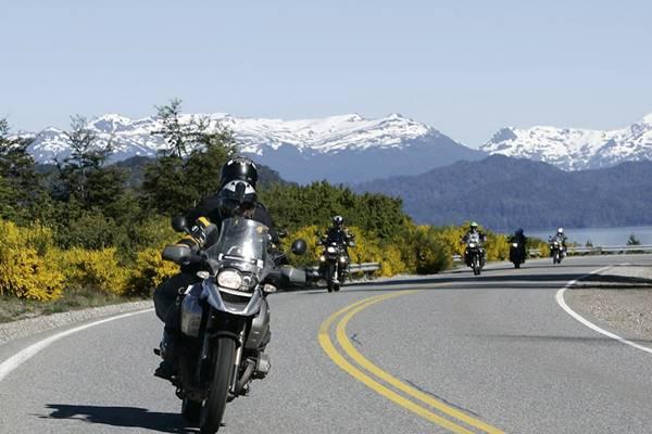 Ruta de los Siete Lagos en moto