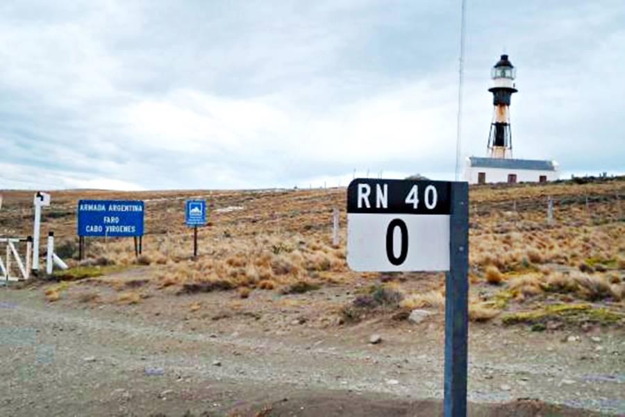 Cartel del Inicio de la Ruta 40 en Cabo Vírgenes