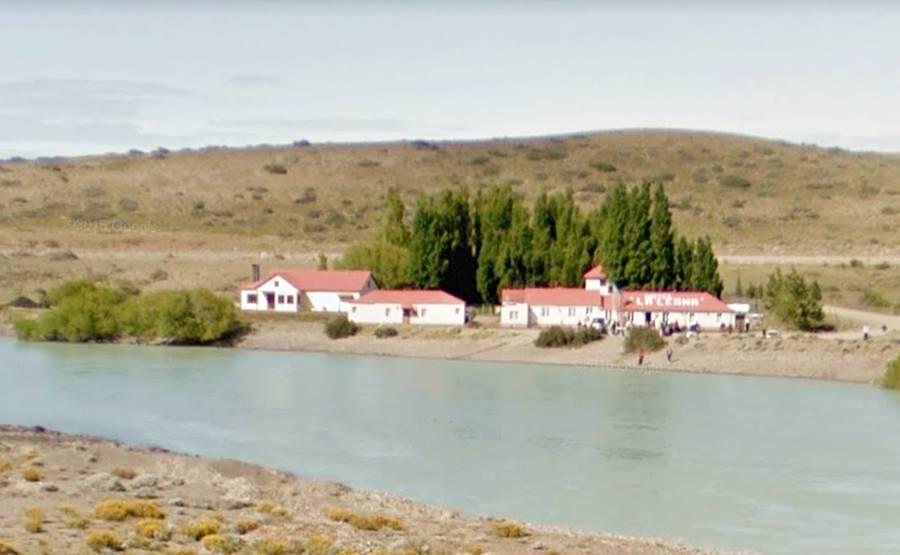 Parador y el río La Leona